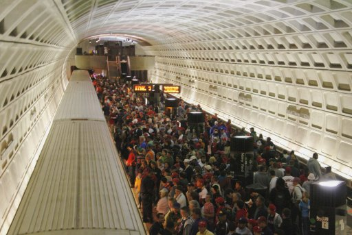 This isn't Moscow. I just typed 'metro crowd' into Google.