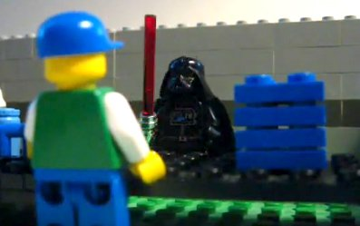 Lego-minifigures-of-Darth-Vader-and-canteen-attendant-in-Eddie-Izzard-Death-Star-canteen-clip.jpeg